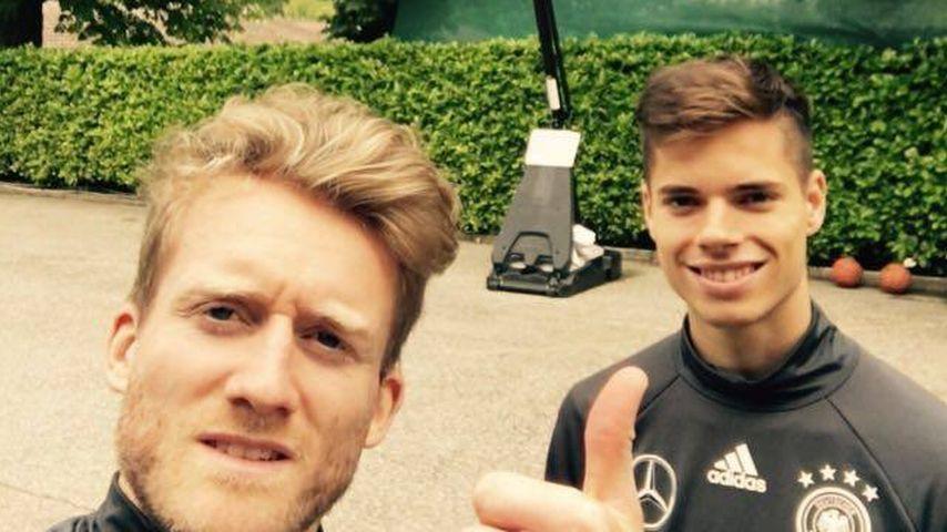 André Schürrle und Julian Weigl während der EM 2016 in Frankreich