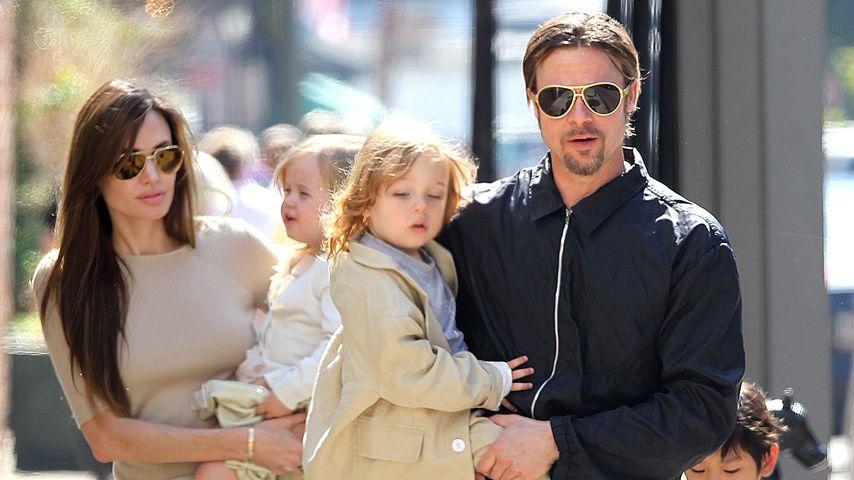 Angelina Jolie, Brad Pitt und die Kinder in New Orleans