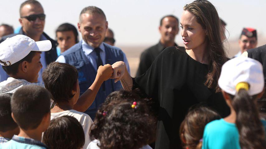 Angelina Jolie beim Besuch eines syrischen Flüchtlingscamps