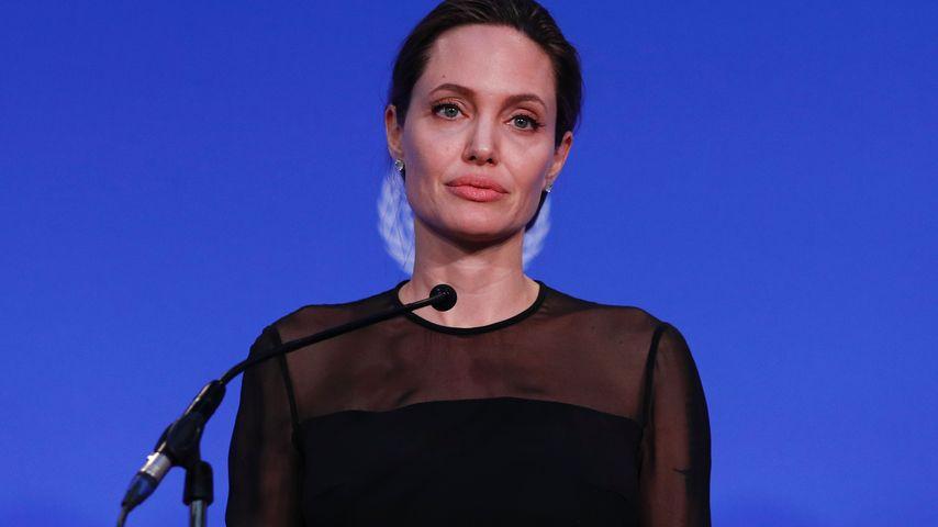 Angelina Jolie: Ketten-Rauchen gegen den Trennungs-Frust?