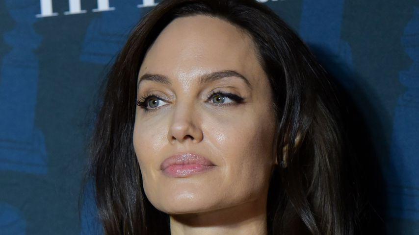 Zögert Angelina Jolie die Scheidung etwa absichtlich hinaus?