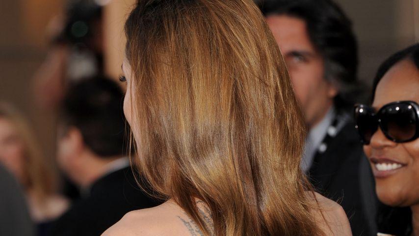 Angelina Jolies tätowierter Rücken