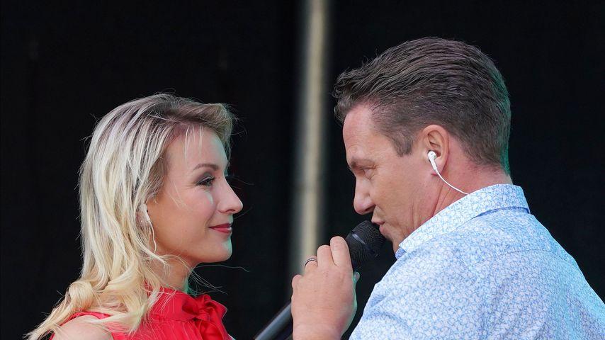 Anna-Carina Woitschack und Stefan Mross, Schlagersänger