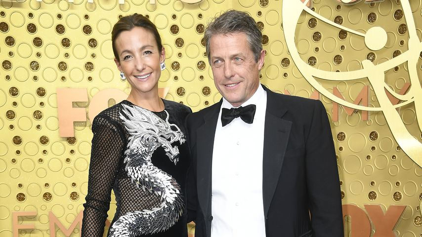 Anna Eberstein und Hugh Grant bei den Emmy Awards in Los Angeles, 2019