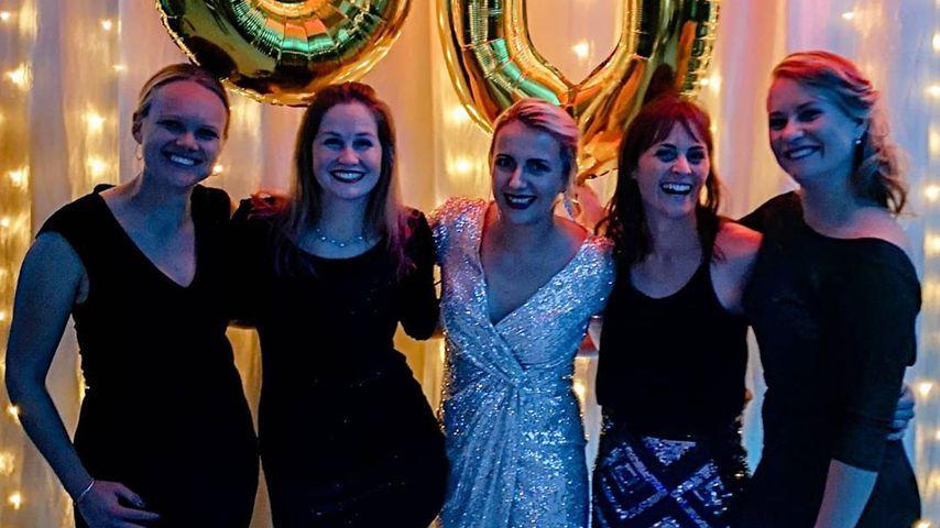 Anna Heiser (m.) mit ihren Freundinnen, Juni 2020