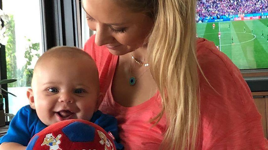 Im WM-Fieber: Seltenes Baby-Pic von Anna Kournikova!