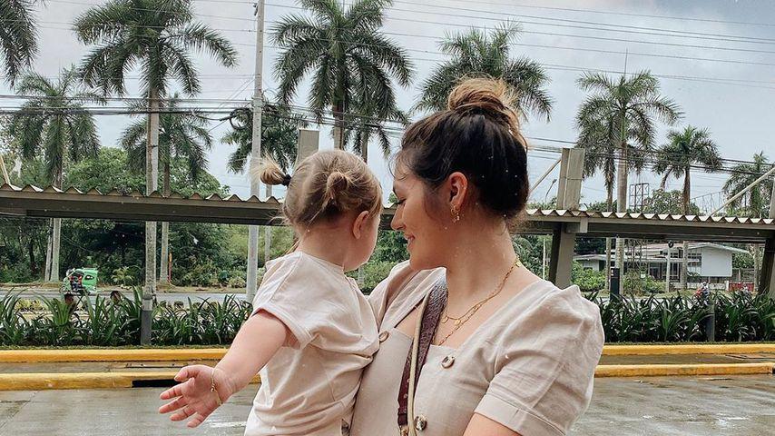 Anna Maria Damm und ihre Tochter Eliana im Februar 2020 auf den Philippinen