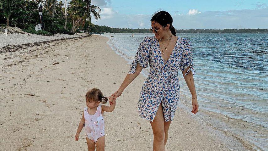 Schon so groß! Anna Maria Damm und Tochter Eliana am Strand