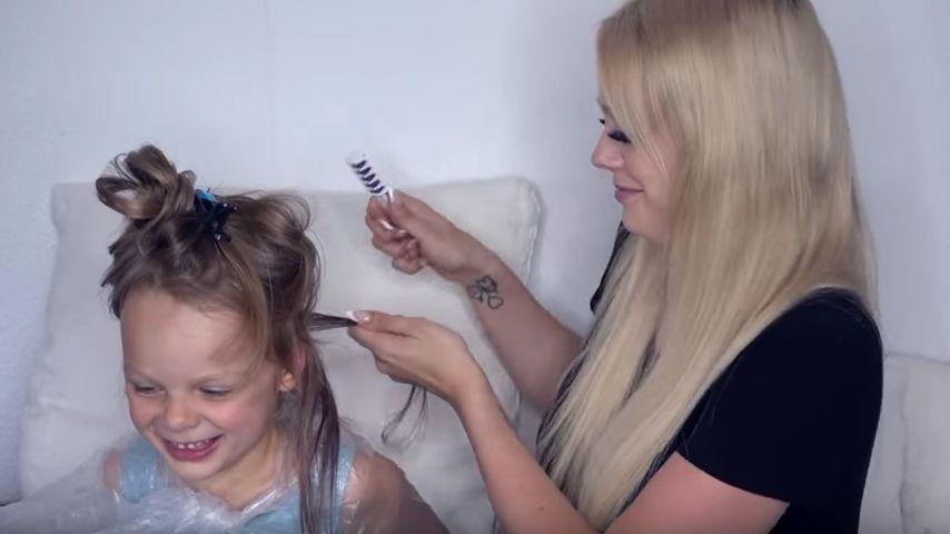 Plötzlich bunt: Anne Wünsche färbt Tochter (4) die Haare