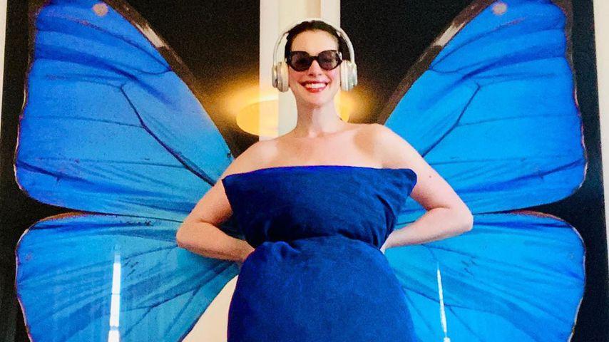 Nackt-Pillow-Challenge: Anne Hathaway schlüpft in alte Rolle
