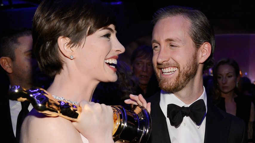 Strahlende Anne Hathaway: Auftritt mit Mega-Babybauch