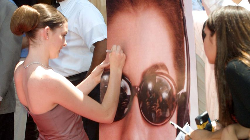 """Anne Hathaway  bei der """"Plötzlich Prinzessin""""-Premiere im August 2001 in Los Angeles"""