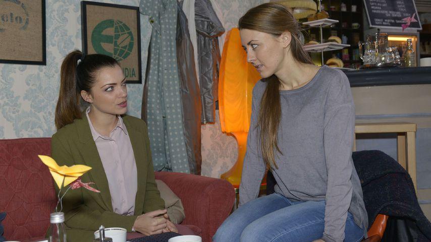 Anne Menden und Luisa Wietzorek bei GZSZ