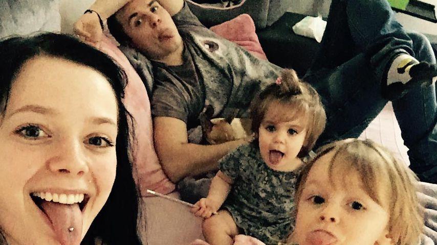 Anne Wünsche, Henning Merten und die geimeinsamen Kinder Miley und Juna
