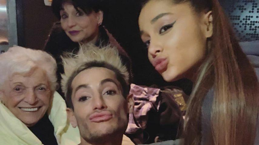 Coole Oma: Ariana Grandes Großmutter lässt sich tätowieren!
