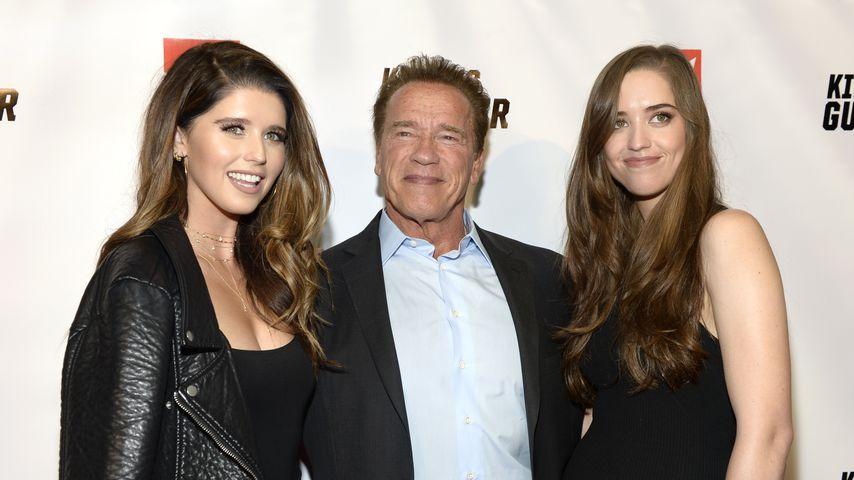 Arnold Schwarzenegger mit seinen Töchtern Katherine (li.) und Christina (re.)