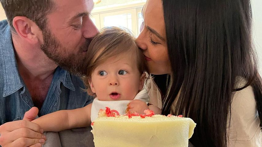 Artem Chigvintsev und Nikki Bella mit ihrem Sohn Matteo