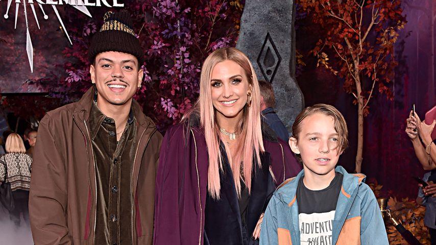 Ashlee Simpson mit Ehemann Evan Ross und ihren Kindern, November 2019