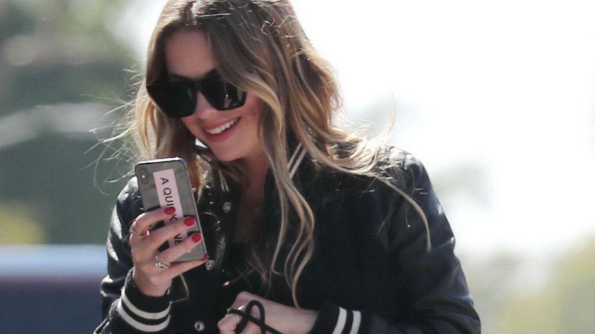 Hochzeits-Wirrwarr: Trägt Ashley Benson hier einen Ehering?