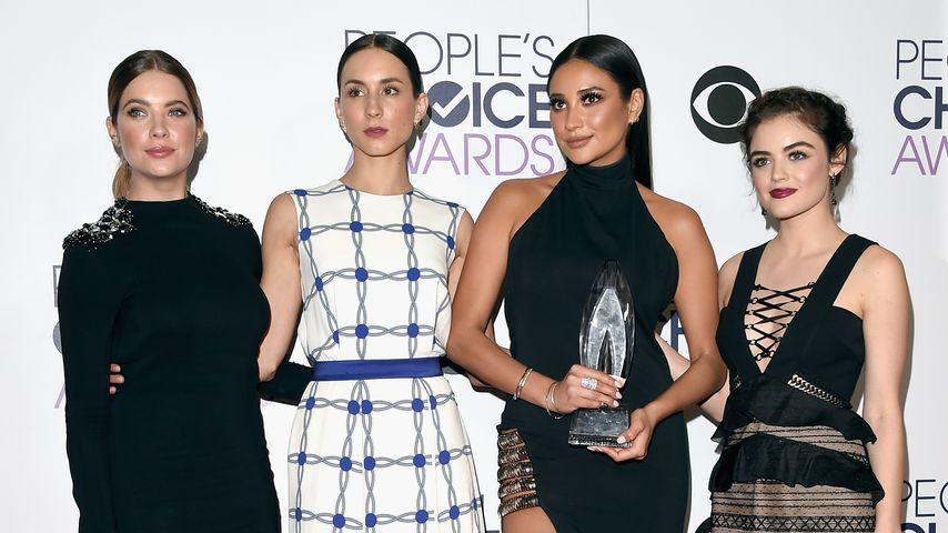 Ashley Benson, Troian Bellisario, Shay Mitchell und Lucy Hale bei den People's Choice Awards, 2016