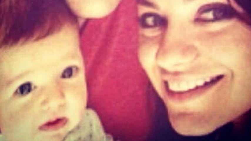 Baby Wyatt, Ashton Kutcher & Mila Kunis 2014