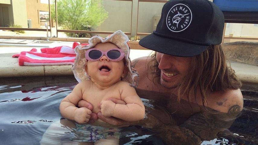 Baby Kirra mit Papa Corey Bohan
