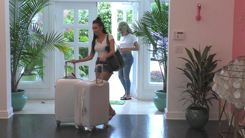 Bachelor-Kandidatin Samira Klampfl beim Villa-Einzug