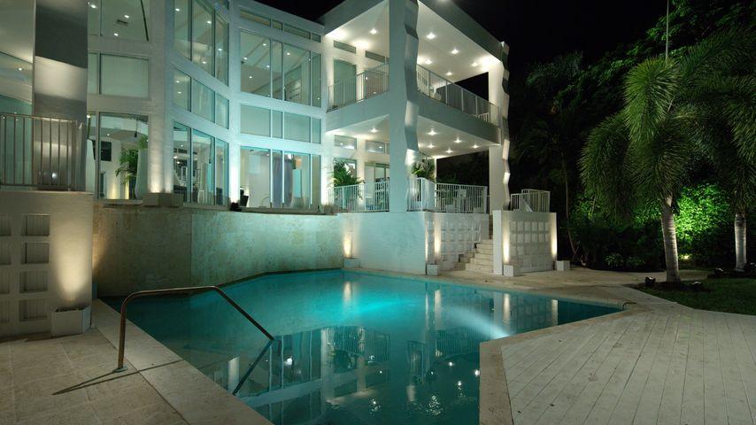 Bachelor-Luxus: In dieser Villa verteilt Leonard die Rosen!
