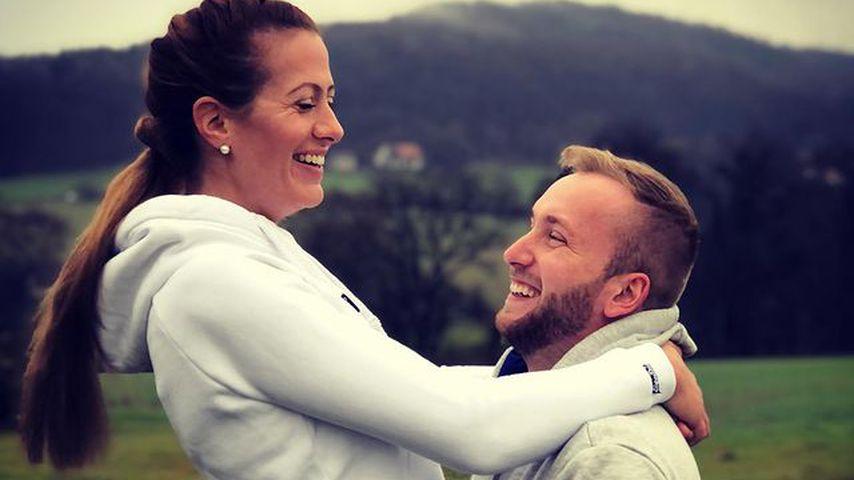 Bäuerin Denise und ihr Verlobter Nils