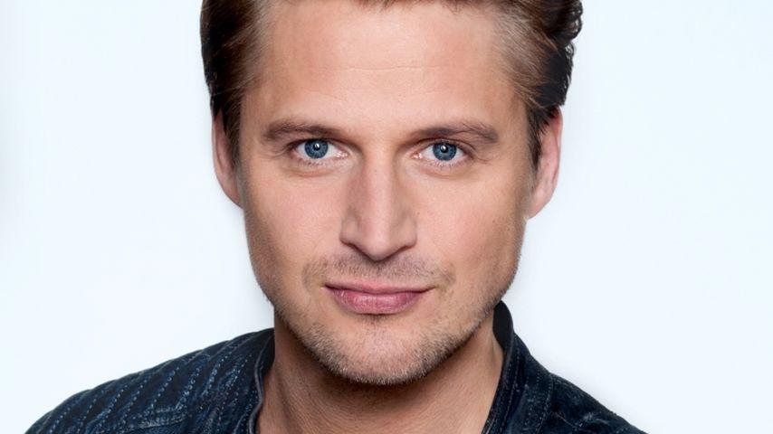Neu bei VL! Bastian Semm startet als sexy Polizist