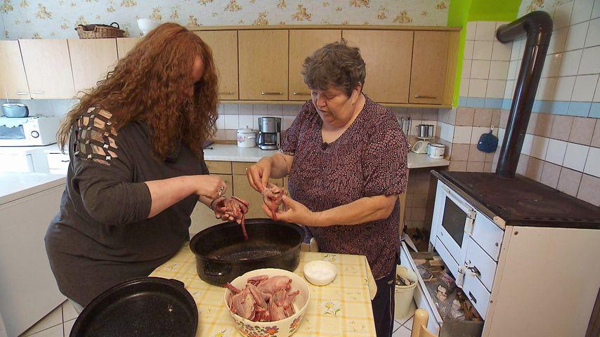 Ekel-Essen: BsF-Swen bringt Nicole an ihre Grenzen