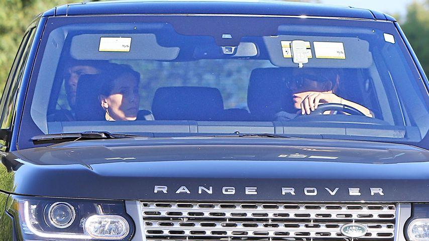 Ben Affleck, Jennifer Garner und eine Freundin im Auto
