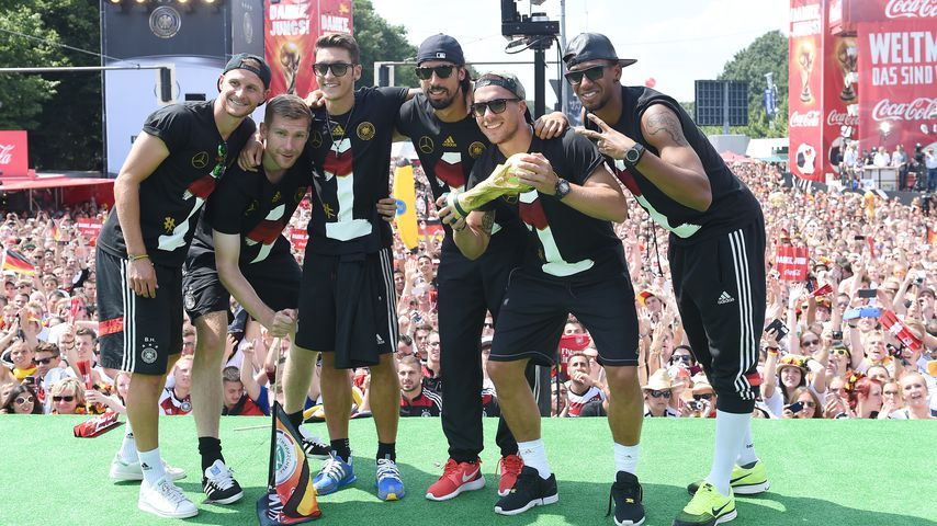 Benedikt Höwedes, Per Mertesacker, Mesut Özil, Sami Khedira, Lukas Podolski und Jérôme Boateng