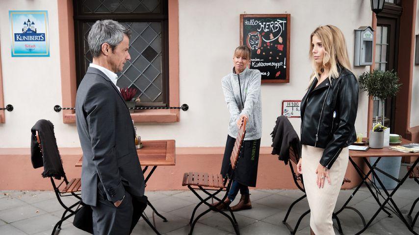 """Benedikt (Jens Hajek), Ute (Isabell Hertel) und Monika (Isabel Vollmer) in einer """"Unter uns""""-Szene"""
