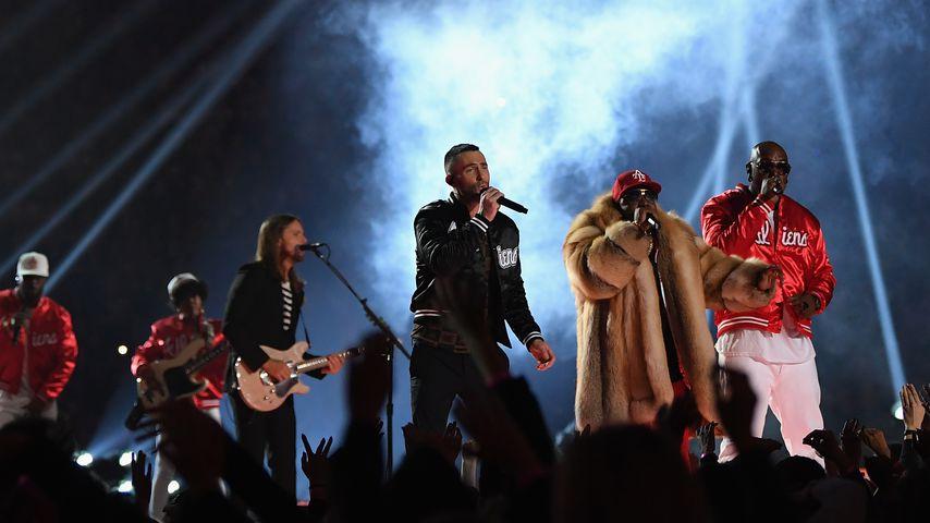 Maroon 5 mit Big Boi und Travis Scott beim Super Bowl