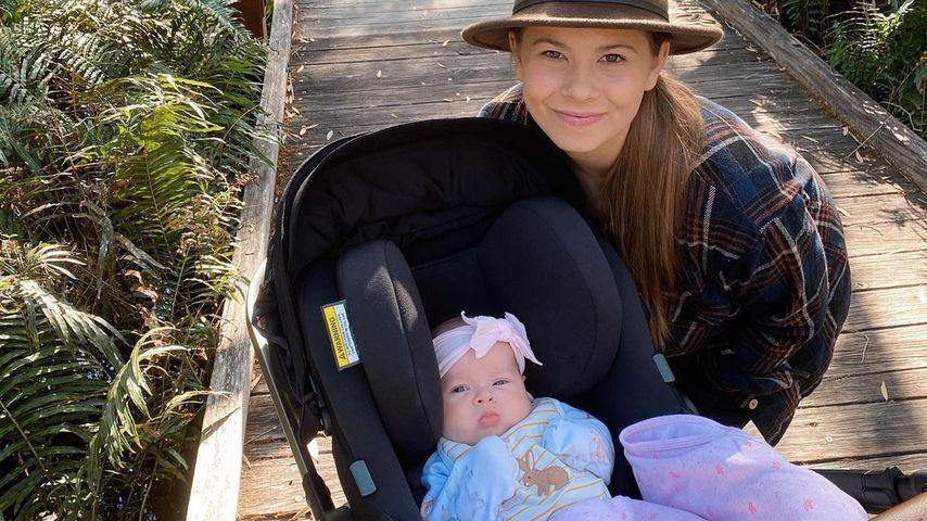 Bindi Irwin mit ihrer Tochter Grace
