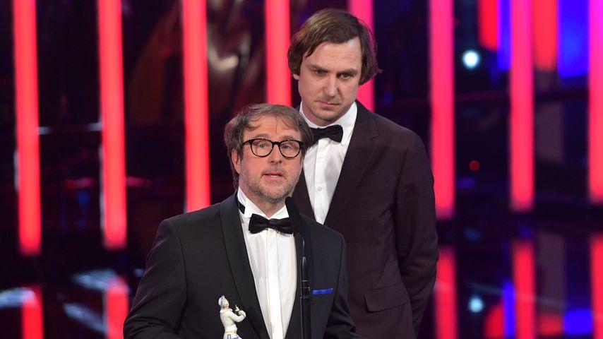 Bjarne Mädel und Lars Eidinger beim Bayerischen Filmpreis 2020