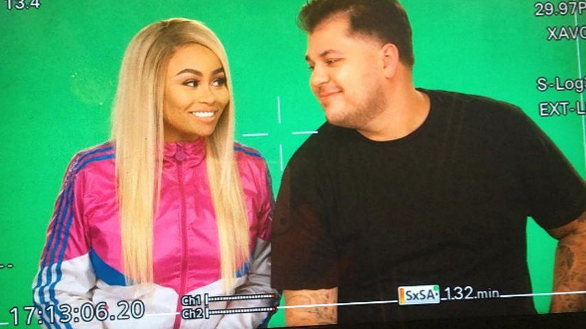 1. Pics ihrer TV-Show? So süß sind Blac & Rob vor der Kamera