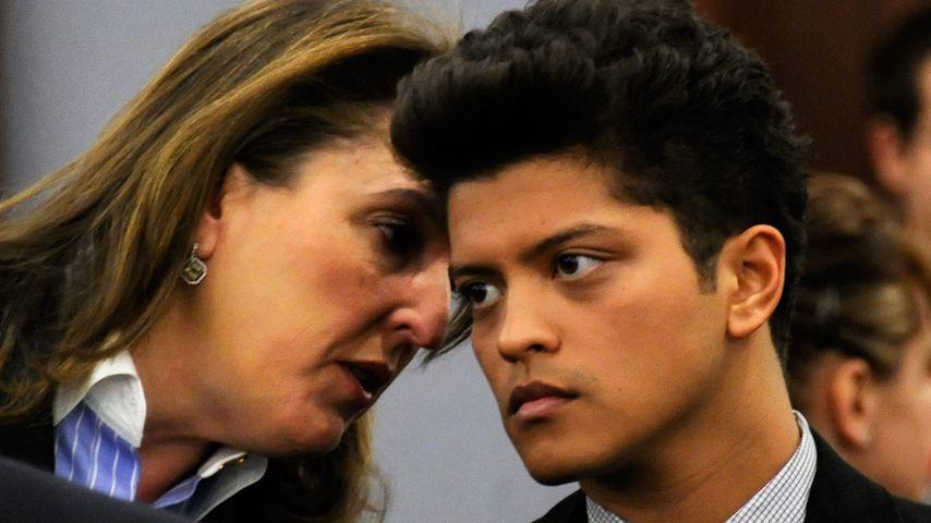 Blair Berk und Bruno Mars 2011 vor Gericht