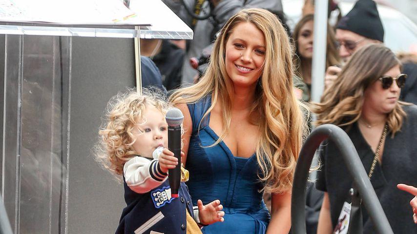 Schauspielerin Blake Lively und ihre Tochter 2016