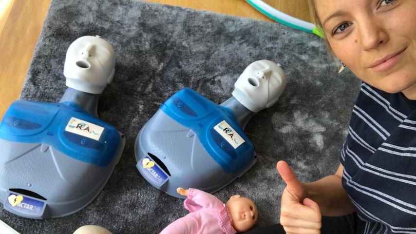 Baby-Wiederbelebung: Mama Blake Lively übt für den Ernstfall