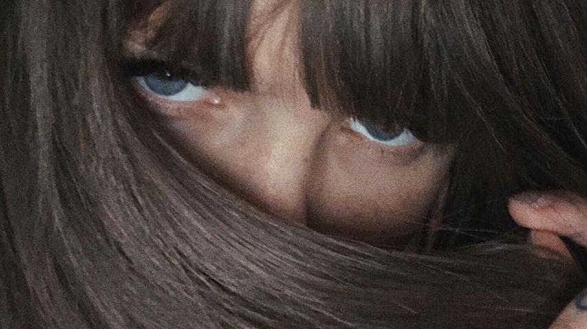 Bonnie Strange mit braunen Haaren