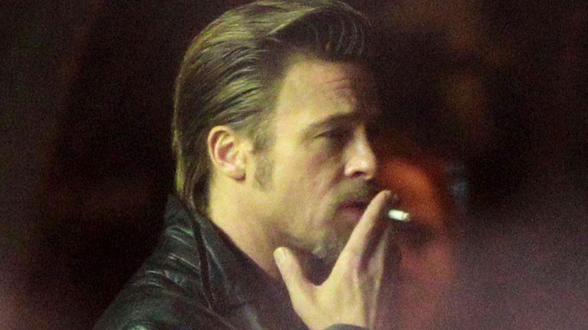 Raucht Brad Pitt etwa zwei Schachteln Zigaretten pro Tag?