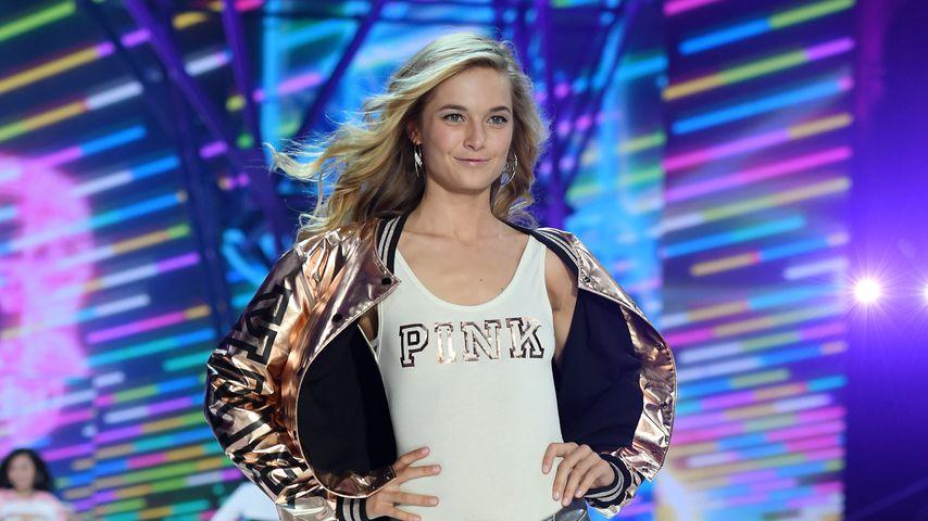 Bridget Malcolm bei der Victoria's Secret Fashion Show im November 2016