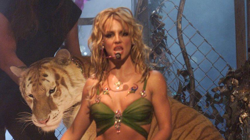 Britney Spears bei den MTV Video Music Awards 2001