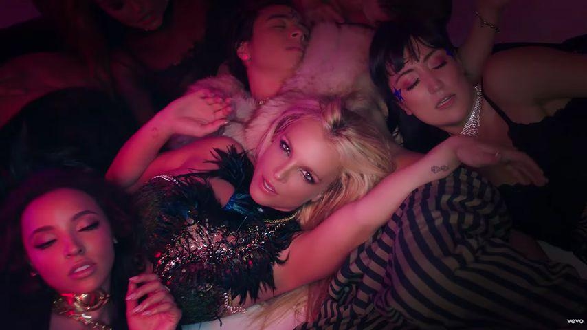"""Britney Spears im Video zum Song """"Slumber Party"""""""