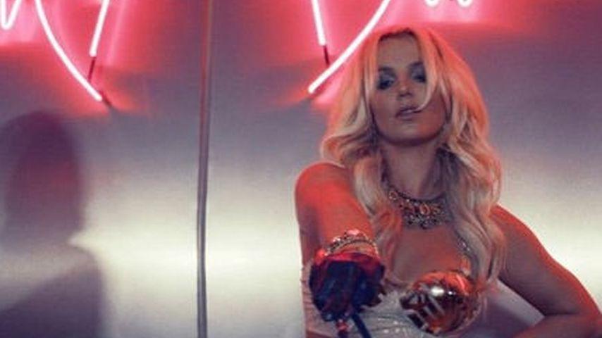 """Mit Peitsche! Britney Spears sexy in """"Work Bitch"""""""