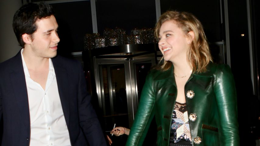 Brooklyn Beckham und Chloë Moretz bei den 31. FN Achievement Awards