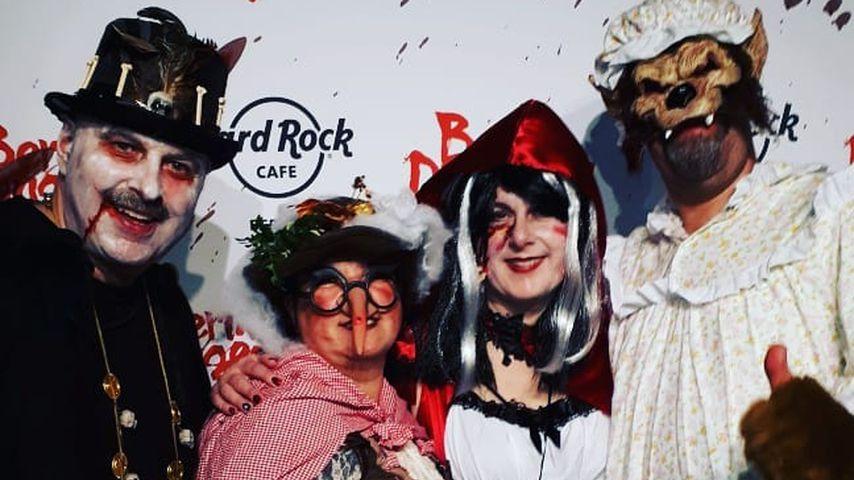 Bruno und Anja Rauh sowie Iris und Uwe Abel bei der Halloweenparty im Berlin Dungeon 2019