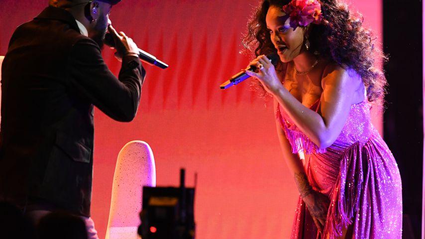 Bryson Tiller und Rihanna bei ihrem Auftritt bei den Grammys 2018